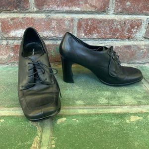 Hillard & Hanson Heeled Pumps